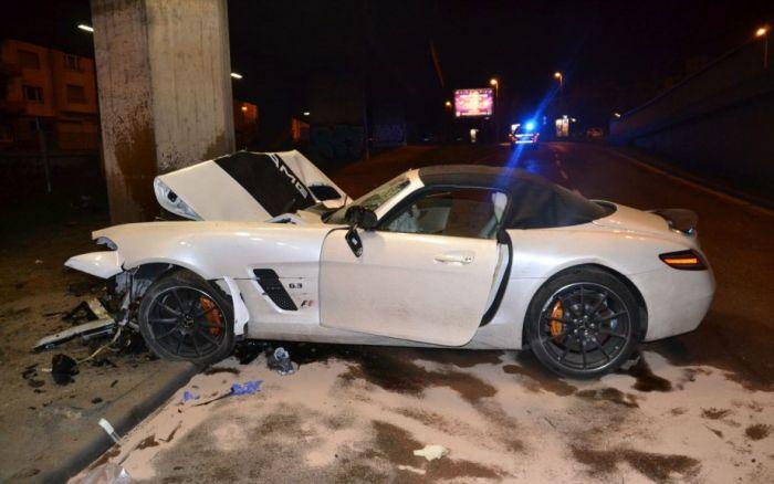 car_crash_mercedes_benz_03